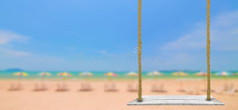 De madera en la playa imagen de archivo