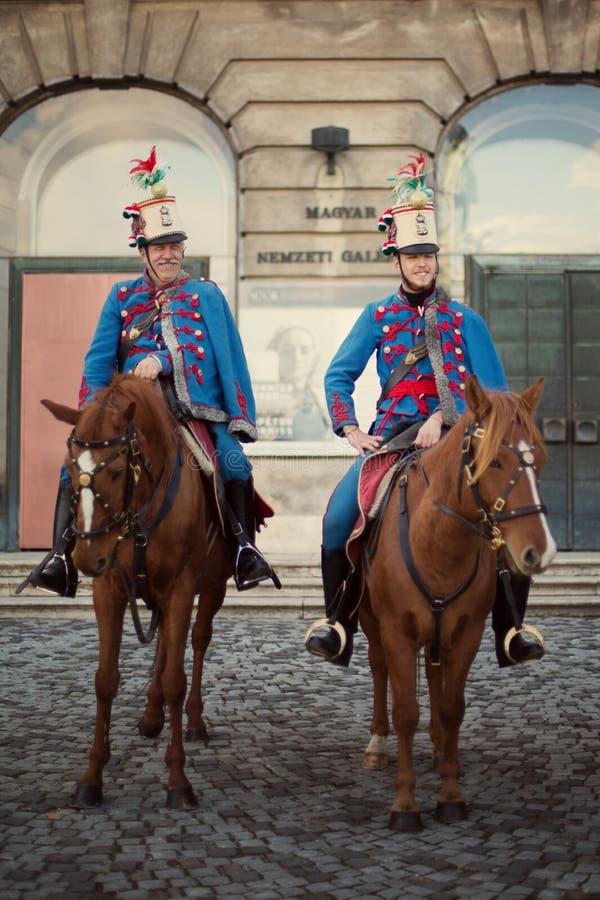 De Magyars-wachten op horseback stock afbeelding
