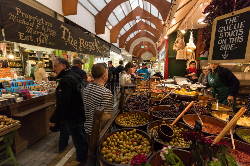 20 de maio de 2017, cortiça, Irlanda - mercado inglês, um mercado municipal do alimento do centro da cortiça fotos de stock