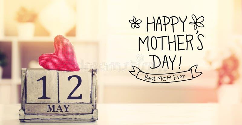 12 de maio mensagem feliz do dia de mães com calendário fotografia de stock royalty free
