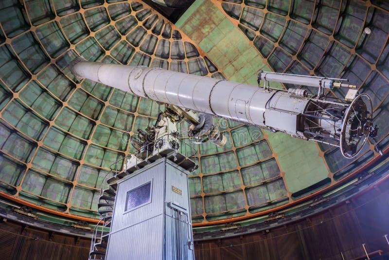 7 de maio de 2017 San Jose /CA/USA - dentro do telescópio histórico de um Shane de 36 polegadas no obervatório Lick - montagem Ha imagens de stock royalty free