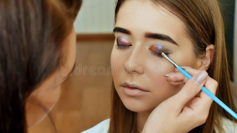 De Make-up van het oog Het detail van de vakantiemake-up Het detail van de vakantiemake-up Oogleden van de ogen stock afbeelding