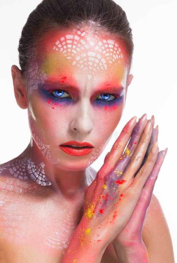 De make-up van de schoonheidsvrouw withart en het doordringen starende blik royalty-vrije stock fotografie