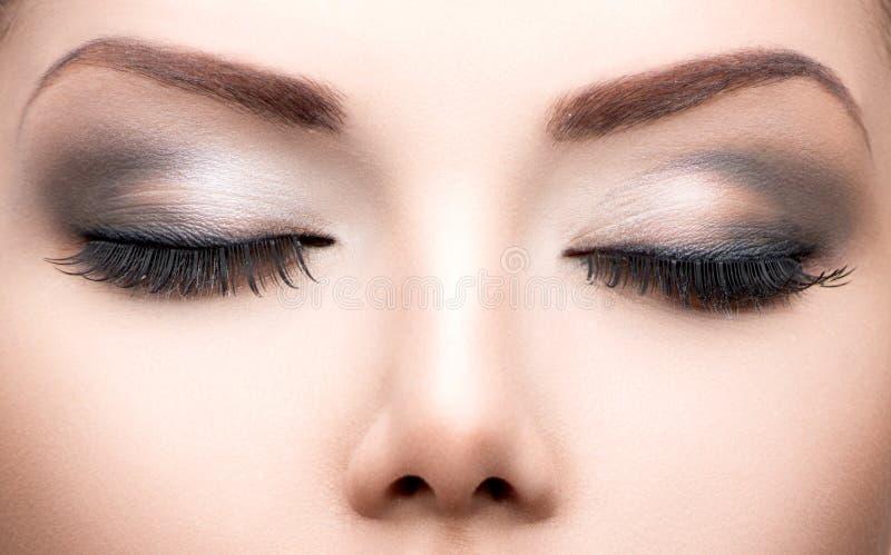 Download De Make-upclose-up Van Schoonheidsogen Stock Foto - Afbeelding bestaande uit up, gezondheid: 39100904