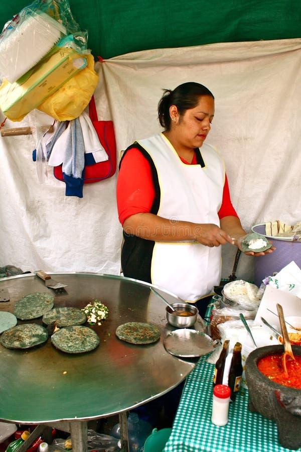 De maker van de tortilla, Mexico stock foto