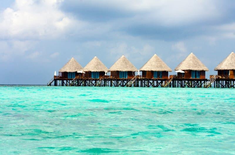 De Maldiven. Villa op stapels op water royalty-vrije stock foto