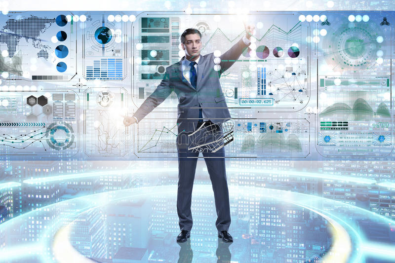De man die virtuele knoop in concept voor het exploiteren van gegevens drukken royalty-vrije stock fotografie