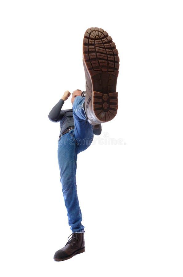 De man schopt Voet met een schoenclose-up De strijden w van de pretschop stock fotografie