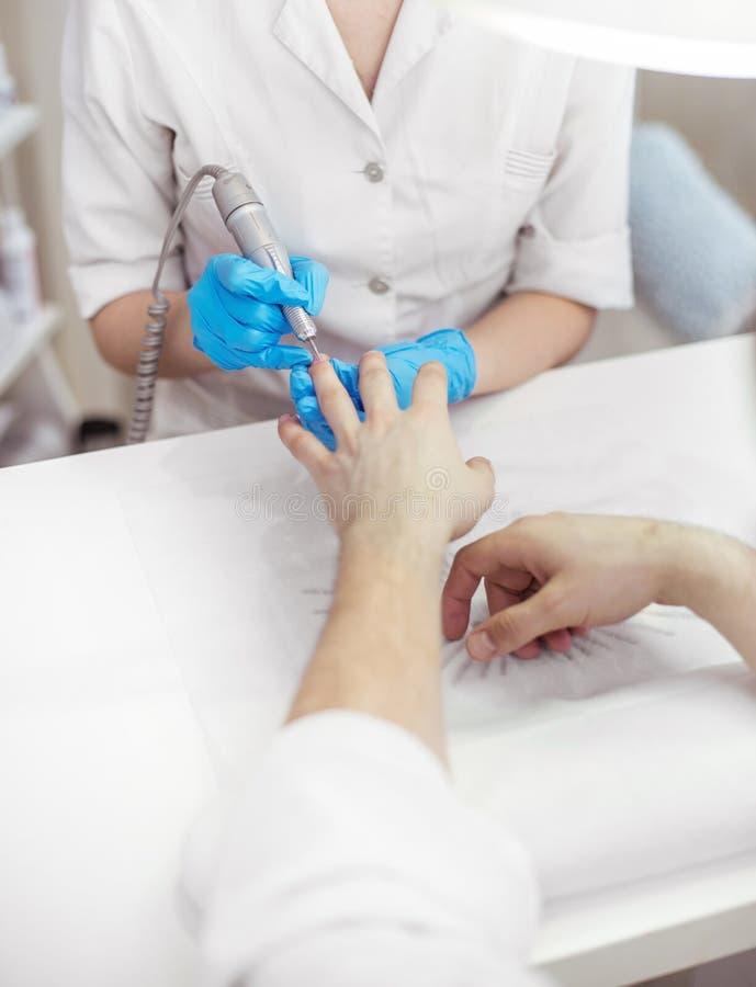 De manicure van mensen stock afbeelding