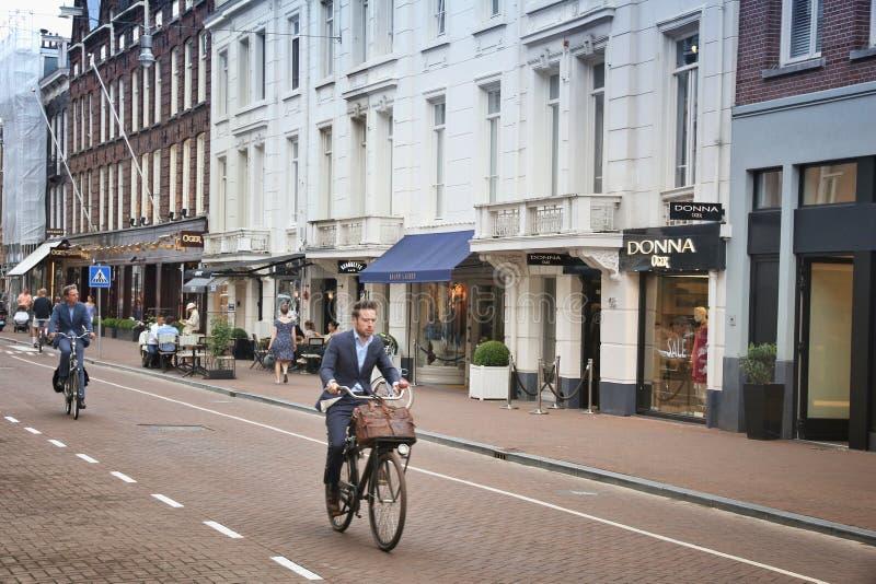 De manier van Amsterdam het winkelen stock foto's