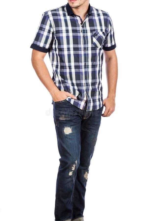De manierkleren, de het korte kokeroverhemd en foto's van jeansmensen maakten op witte achtergrond stock afbeelding