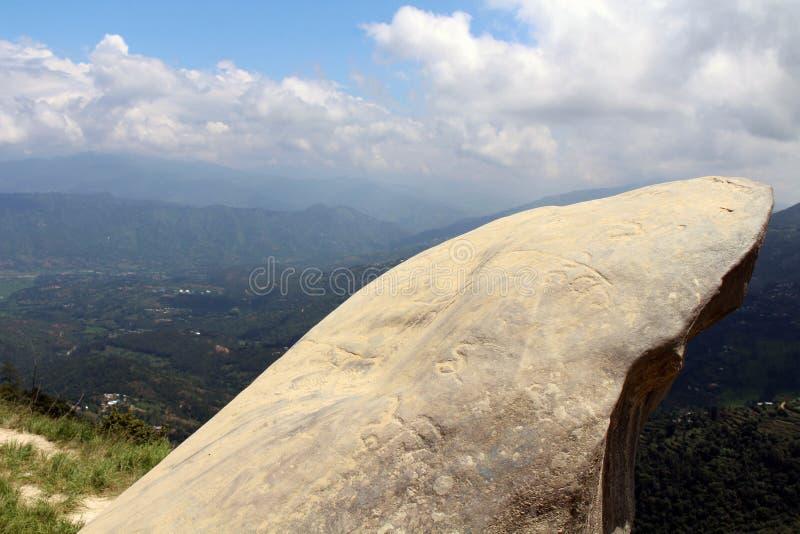 De manisteen met mantra sneed op het die Katmandu overzien royalty-vrije stock foto