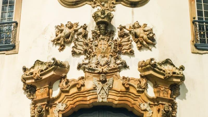 25 de março de 2016, cidade histórica de Ouro Preto, Minas Gerais, Brasil, frontispício cinzelado da igreja de nossa senhora de C fotos de stock royalty free