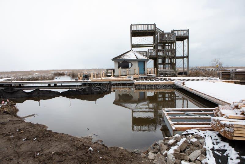 31 de março de 2019 Leamington, parques de Ontário Canadá aponta o passeio à beira mar de Pelee sob a construção imagem de stock