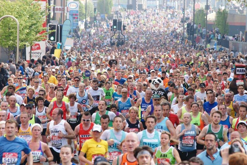 De marathon 2011 van Londen stock afbeeldingen