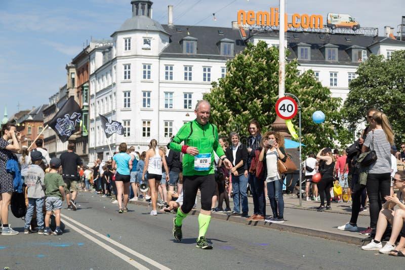 De Marathon 2016 bejaarde agent van Kopenhagen stock fotografie