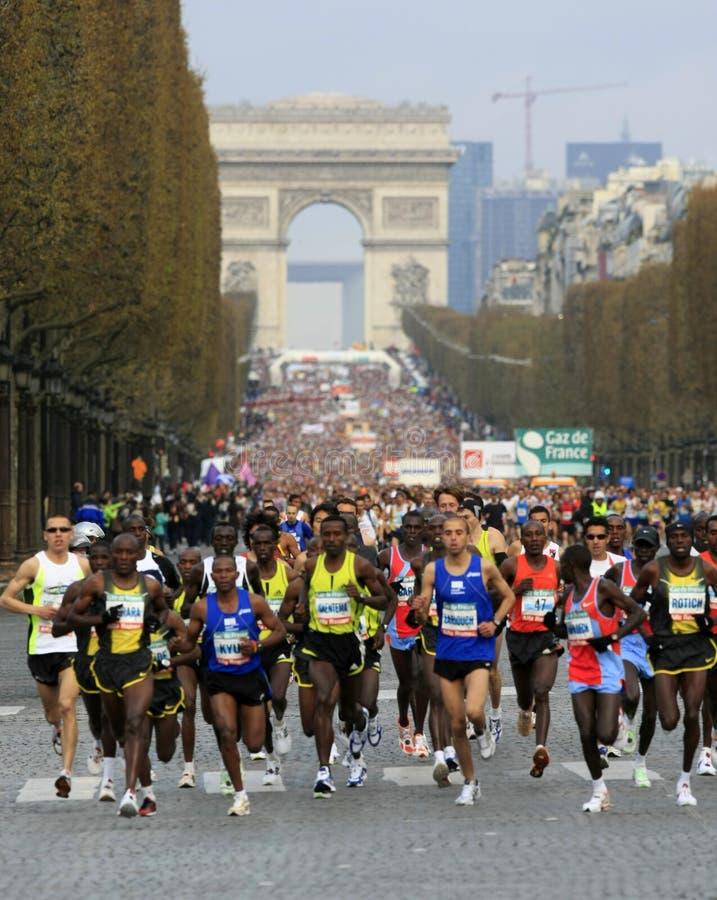 de maraton paris start arkivfoto