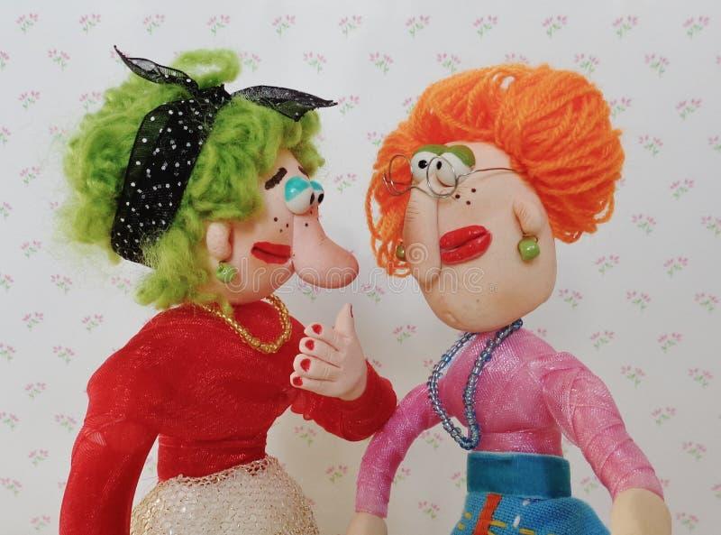 De marionettenvrienden spreken samen stock foto's