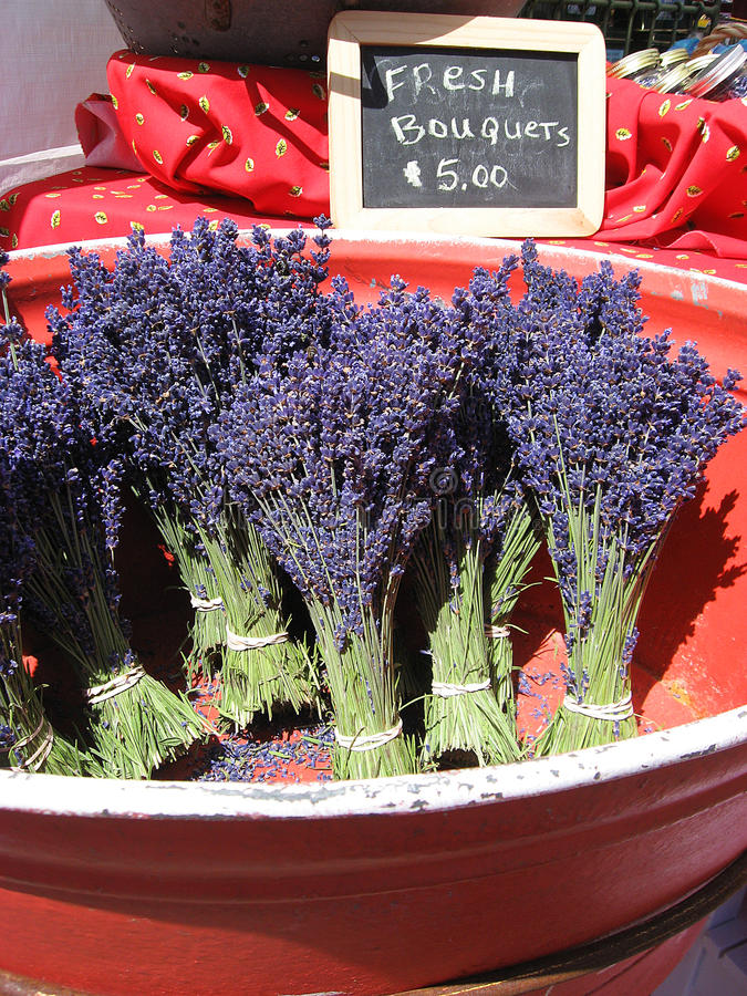 De Markt van de lavendel stock foto's