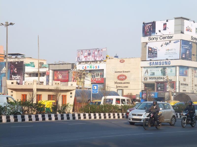 De Markt van de zuidenuitbreiding in Delhi stock afbeeldingen