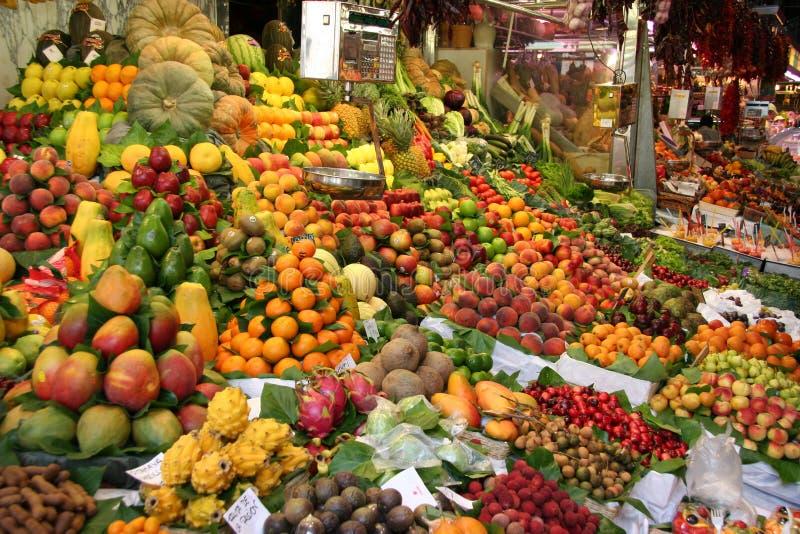 De markt van het fruit in Barcelona royalty-vrije stock foto