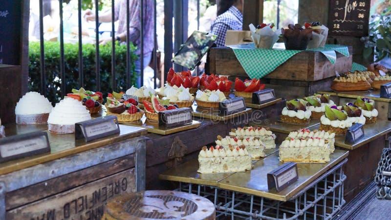 De markt van het gebakjedessert op de traditionele markt van Australië stock afbeelding