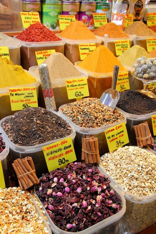 De markt van het kruid in Istanboel royalty-vrije stock fotografie