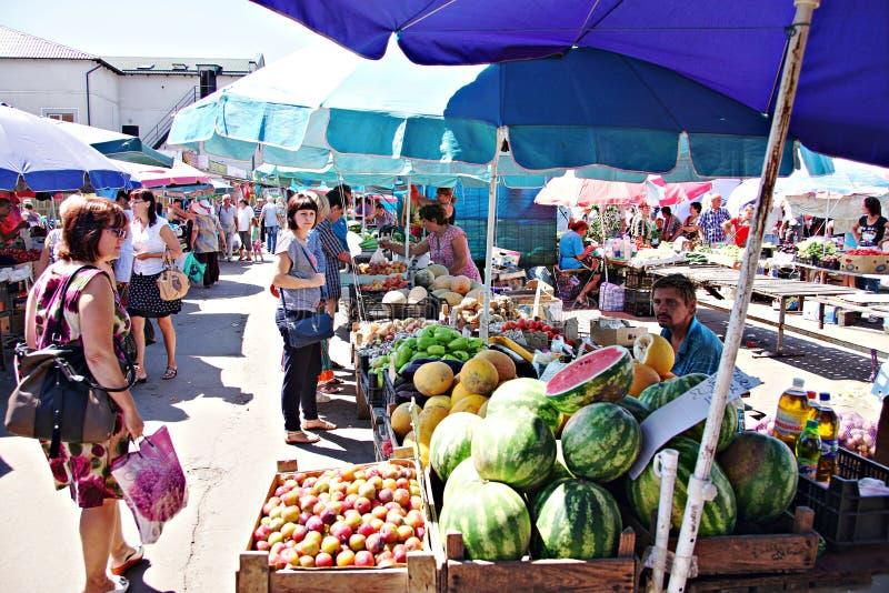 De markt van Poltava, de Oekraïne - 05 augustus 2015 royalty-vrije stock afbeeldingen