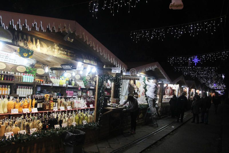 De markt van Salernokerstmis stock afbeelding
