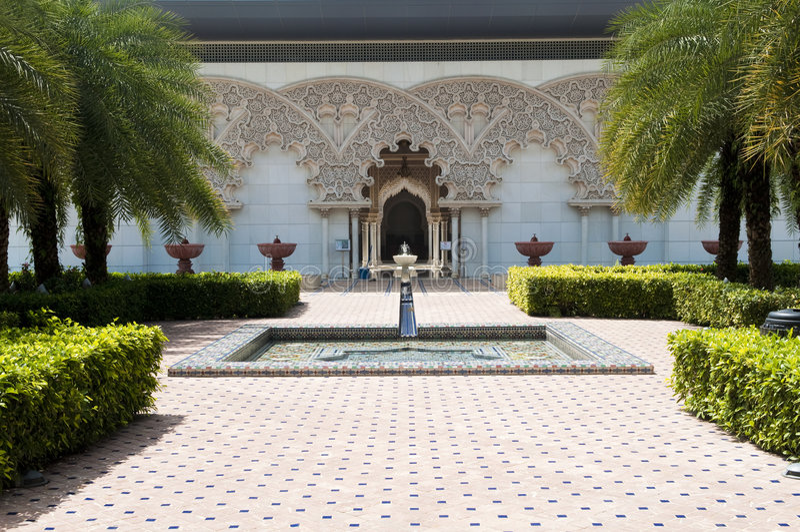 De Marokkaanse BinnenTuin van de Architectuur stock afbeelding