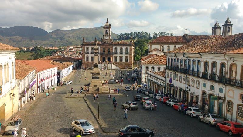 25 de marzo de 2016, ciudad histórica de Ouro Preto, Minas Gerais, el Brasil, casa colonial, cuadrado de Tiradentes imagen de archivo