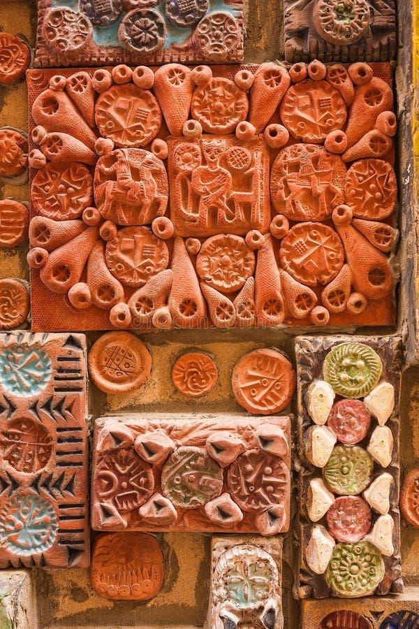 12 de marzo de 2017 M Carril de Magomayev, Baku, Azerbaijan Los frescos que adornaron las paredes de la casa del artista-escultor fotos de archivo