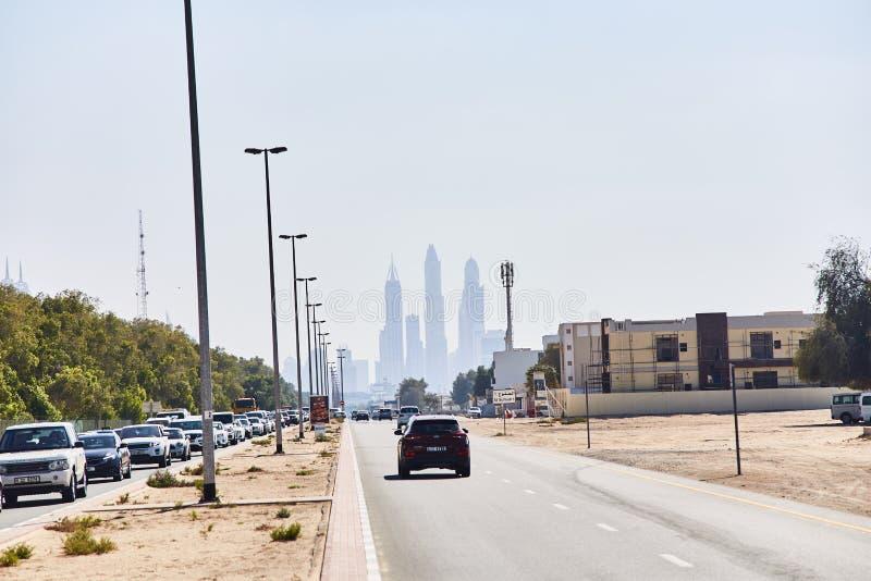 20 de marzo de 2019 - UAE, Dubai: Rascacielos en el centro de la ciudad de Dubai Centro de la ciudad con los rascacielos imagen de archivo