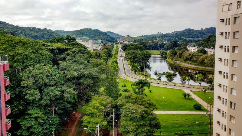 27 de marzo de 2016 - Viçosa, Minas Gerais, el Brasil, vista aérea del campus de la universidad federal de Viçosa foto de archivo