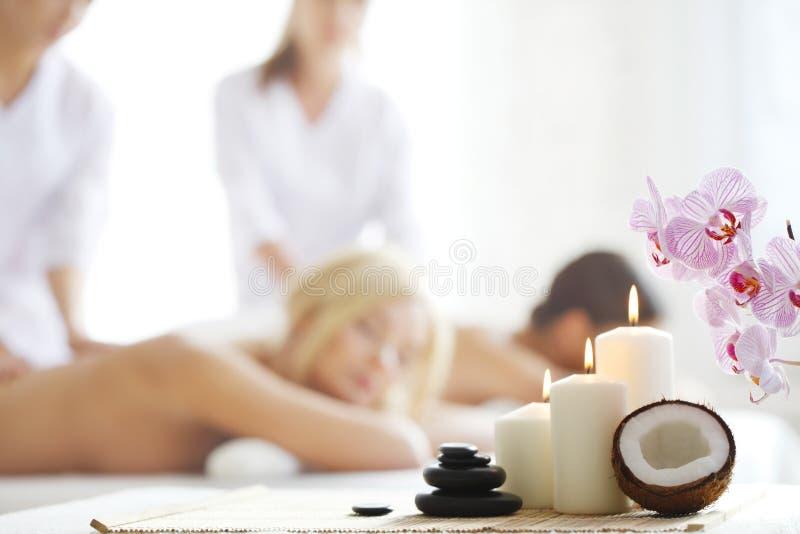 Download De Massage Van Het Kuuroord Stock Foto - Afbeelding bestaande uit wellness, ontspanning: 107700550