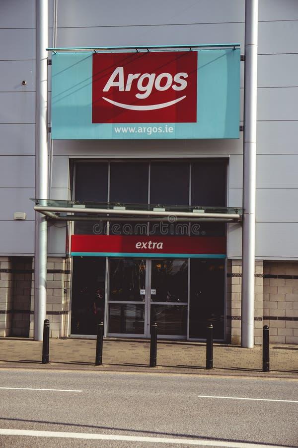 4 de mayo de 2018, corcho, Irlanda - la tienda de Argos en el parque al por menor y Mahon señalan el centro comercial fotos de archivo