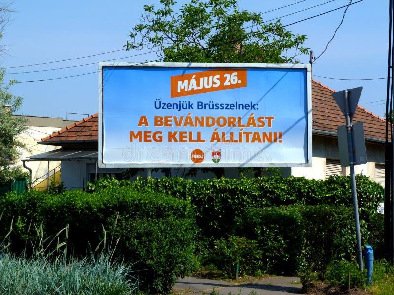 26 de mayo d?a de elecci?n de la UE en Budapest, Hungr?a anuncio político de la bandera de la calle imagen de archivo libre de regalías