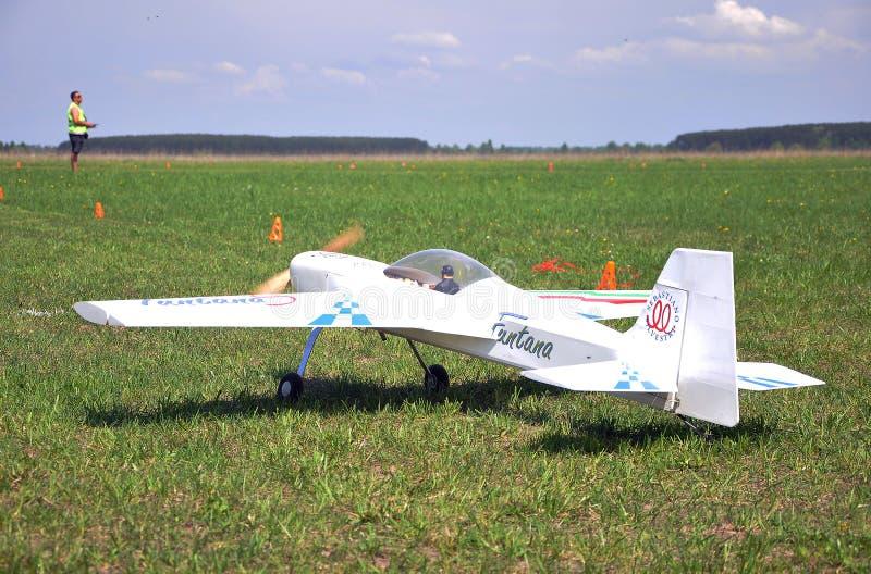 11 de mayo de 2011 - el festival de aeromodelling en el aeropuerto en la ciudad de Borodyanka, región de Kiev fotografía de archivo libre de regalías