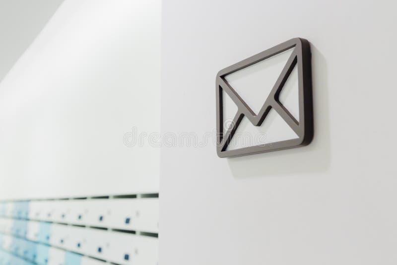 De mededeling per post stock foto