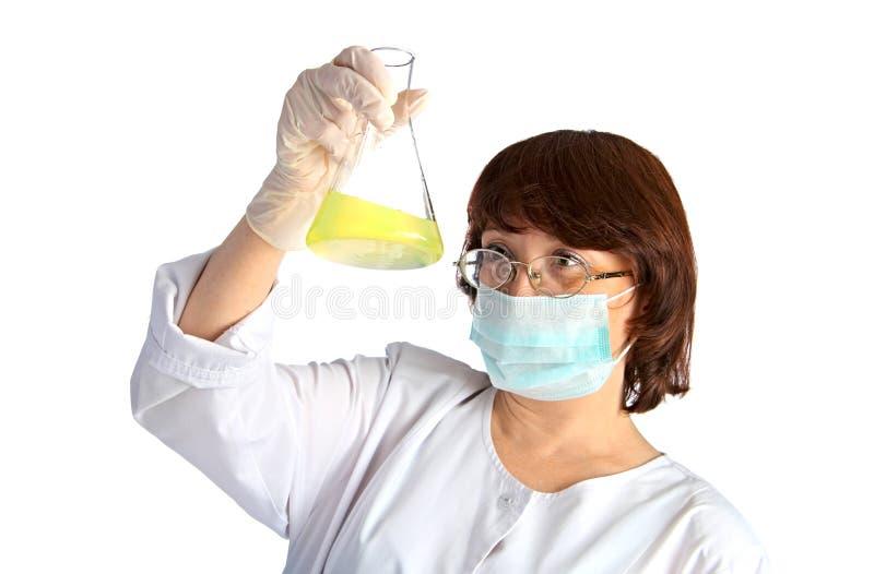 De medewerker van het laboratorium stock afbeeldingen