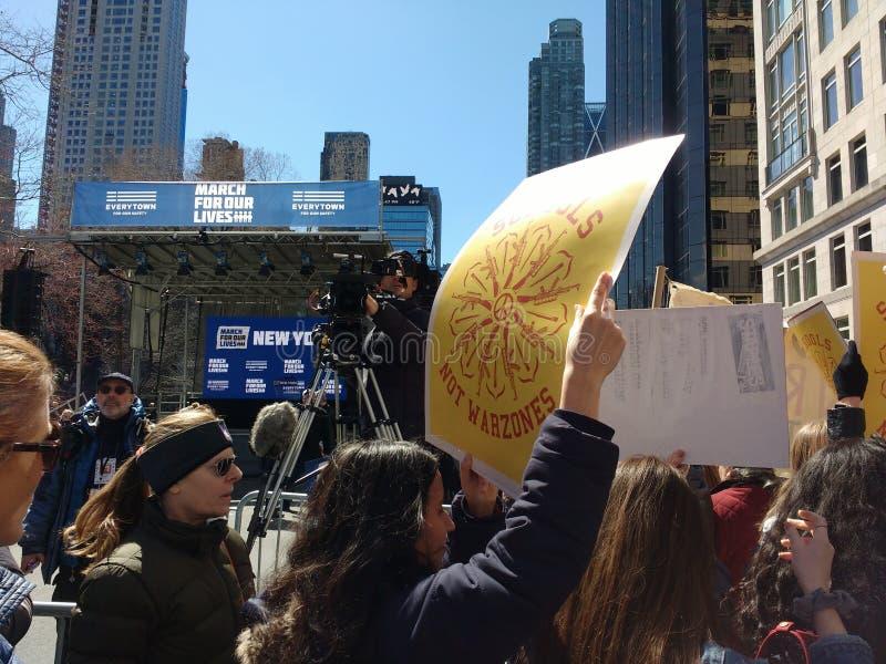 De Media van het uitzendingsnieuws, Maart voor Ons Leven, NYC, NY, de V.S. stock afbeelding