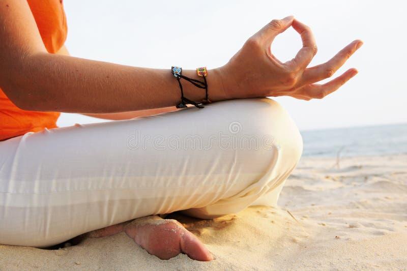 De Meditatie Van De Zonsopgang Stock Foto