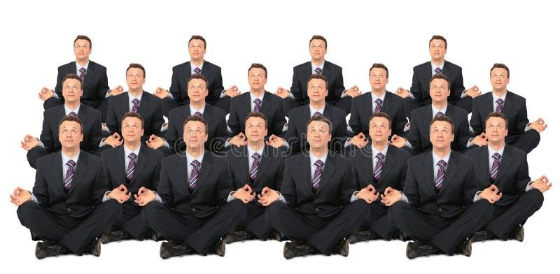 De mediterende zakenlieden overbevolken collage royalty-vrije stock afbeelding