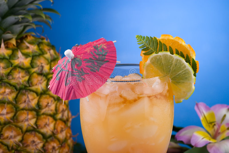 De meeste populaire cocktailsreeks - MAI Tai stock foto's