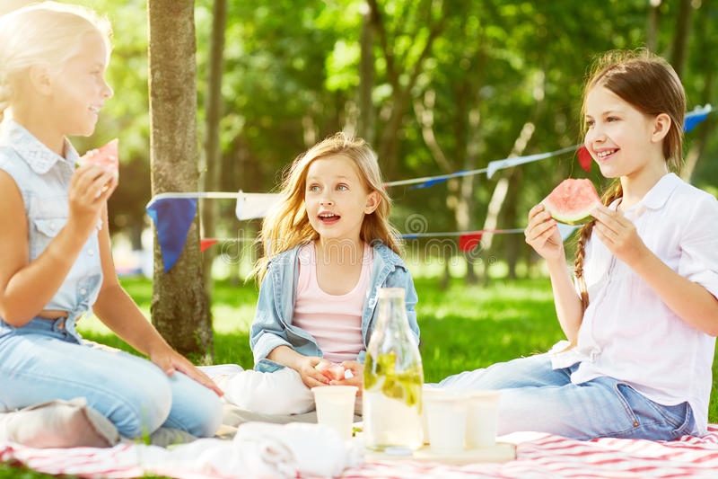 De Meisjes van de zomer royalty-vrije stock foto's