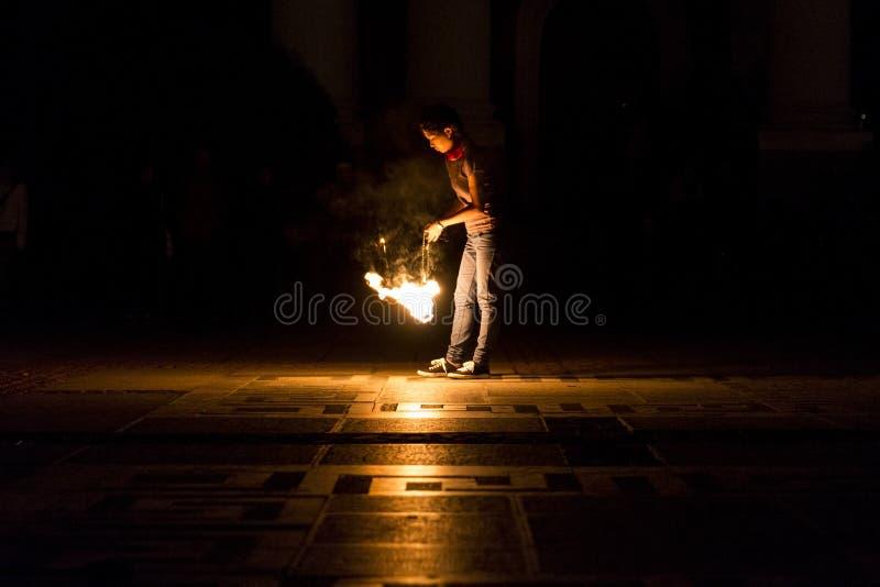 De meisjesbrand toont stock afbeeldingen