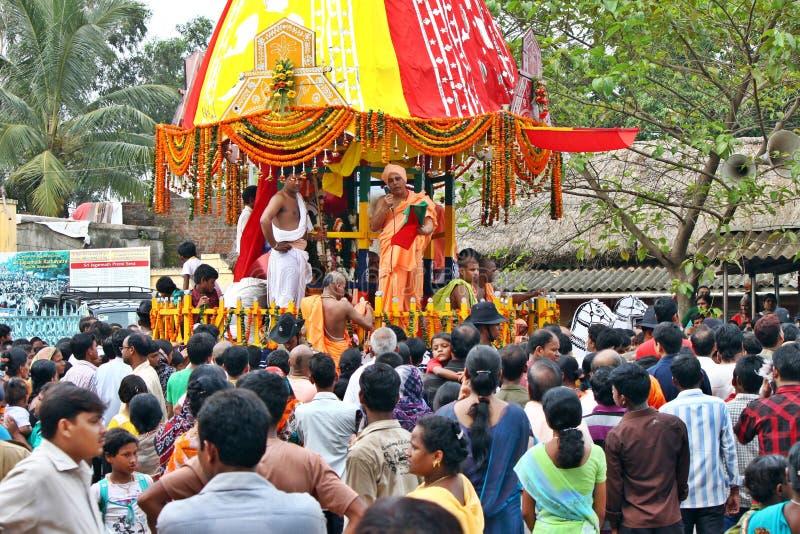 De menigte van India tijdens een godsdienstig festival royalty-vrije stock afbeelding