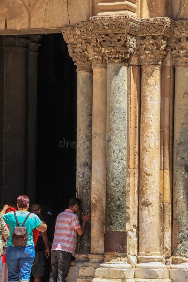 De menigtenvloed in de Kerk van Heilig begraaft, Jeruzalem, Israël stock foto
