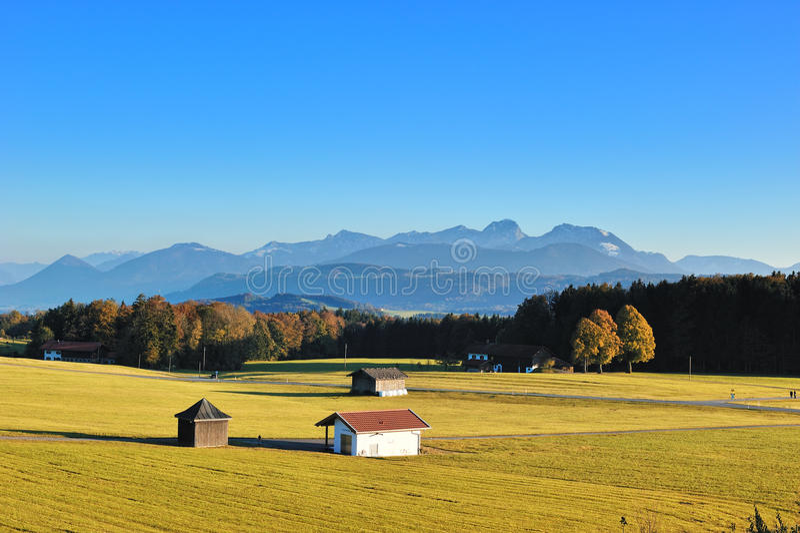 De mening Alpes van Duitsland in de herfstseizoen royalty-vrije stock fotografie
