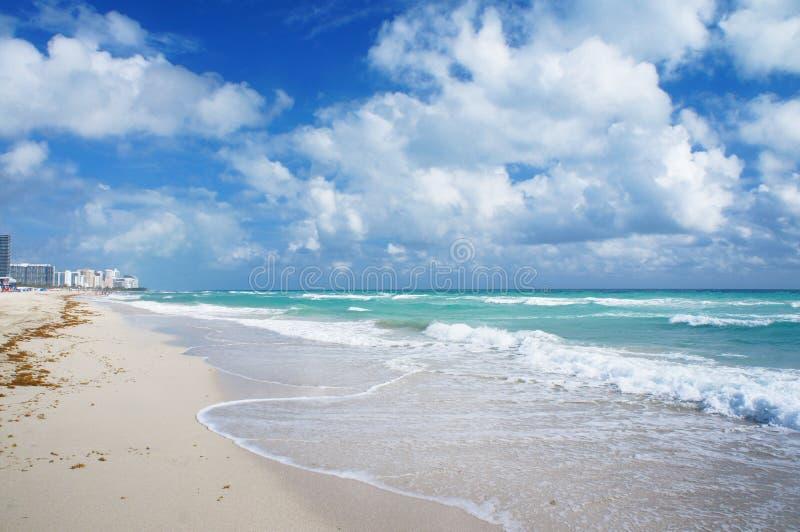 De mening en het Zuidenstrand van de Atlantische Oceaan van Miami royalty-vrije stock foto's
